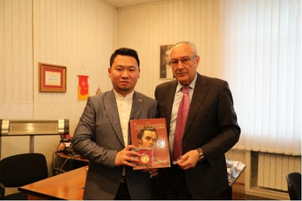 乌克兰留学中心正式代表格里埃尔基辅音乐学院在中国招生734.JPG