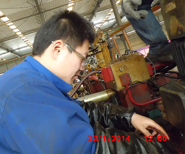 1800T液压系统维修.jpg