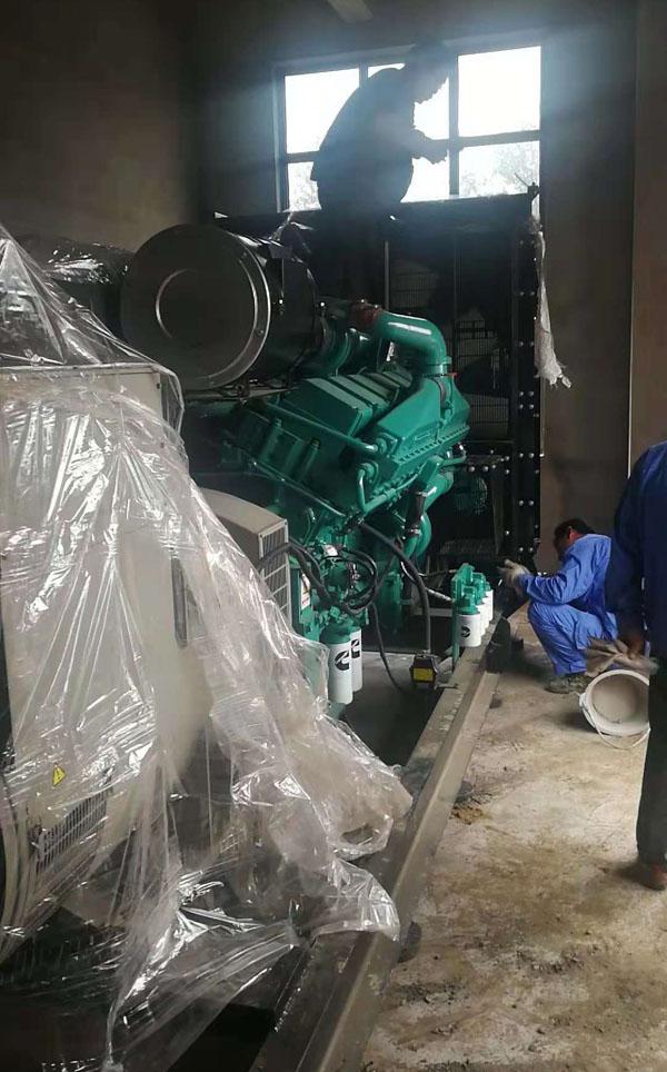 安徽東至中醫院購買800KW柴油發電機組