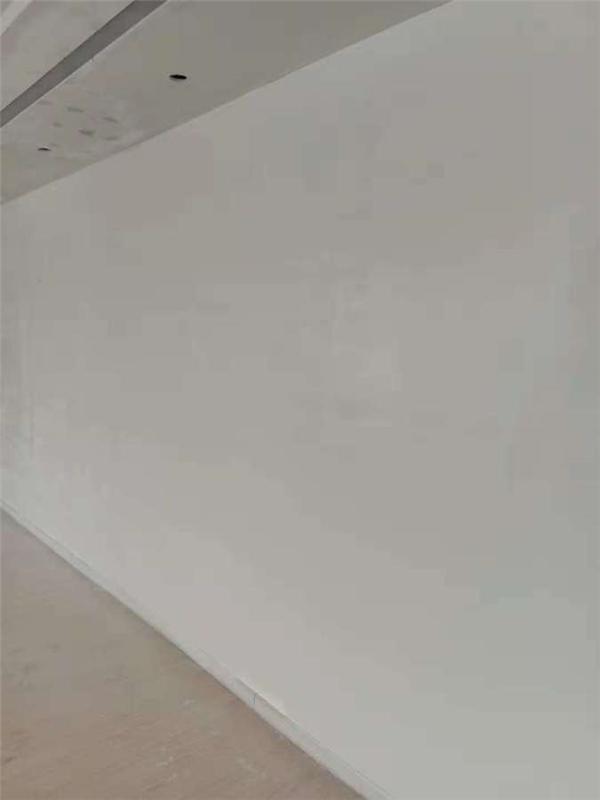 青島水電公司Y2膩子噴涂機噴涂精裝膩子