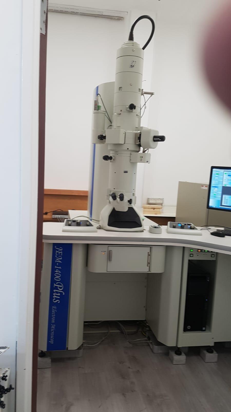 JEOL透射电镜ARISMD主动隔震器安装案例