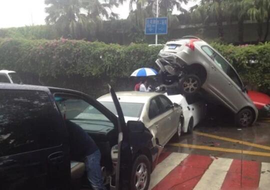 汽车刹车失灵前的4个征兆