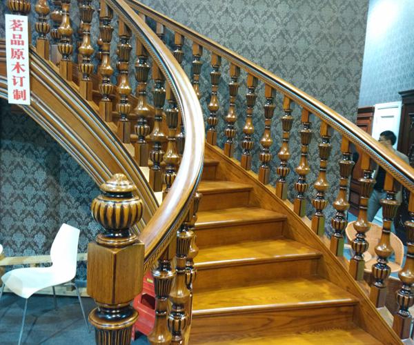 原木樓梯1.jpg