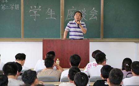 铁路学校今天完成外语考试