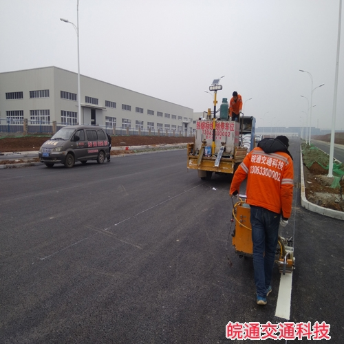 滁州市南京路道路标线施工