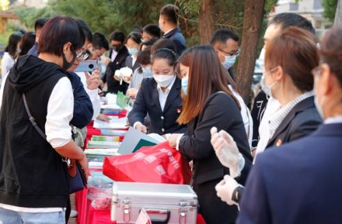 """内蒙古消费品质量安全""""进社区、进校园、进乡镇""""消费者宣传教育活动启动"""